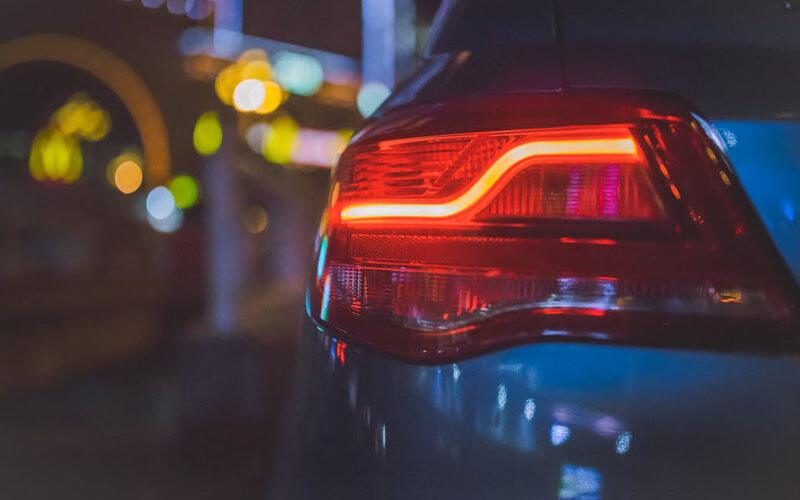 Quelle ampoule éclaire le mieux voiture ?