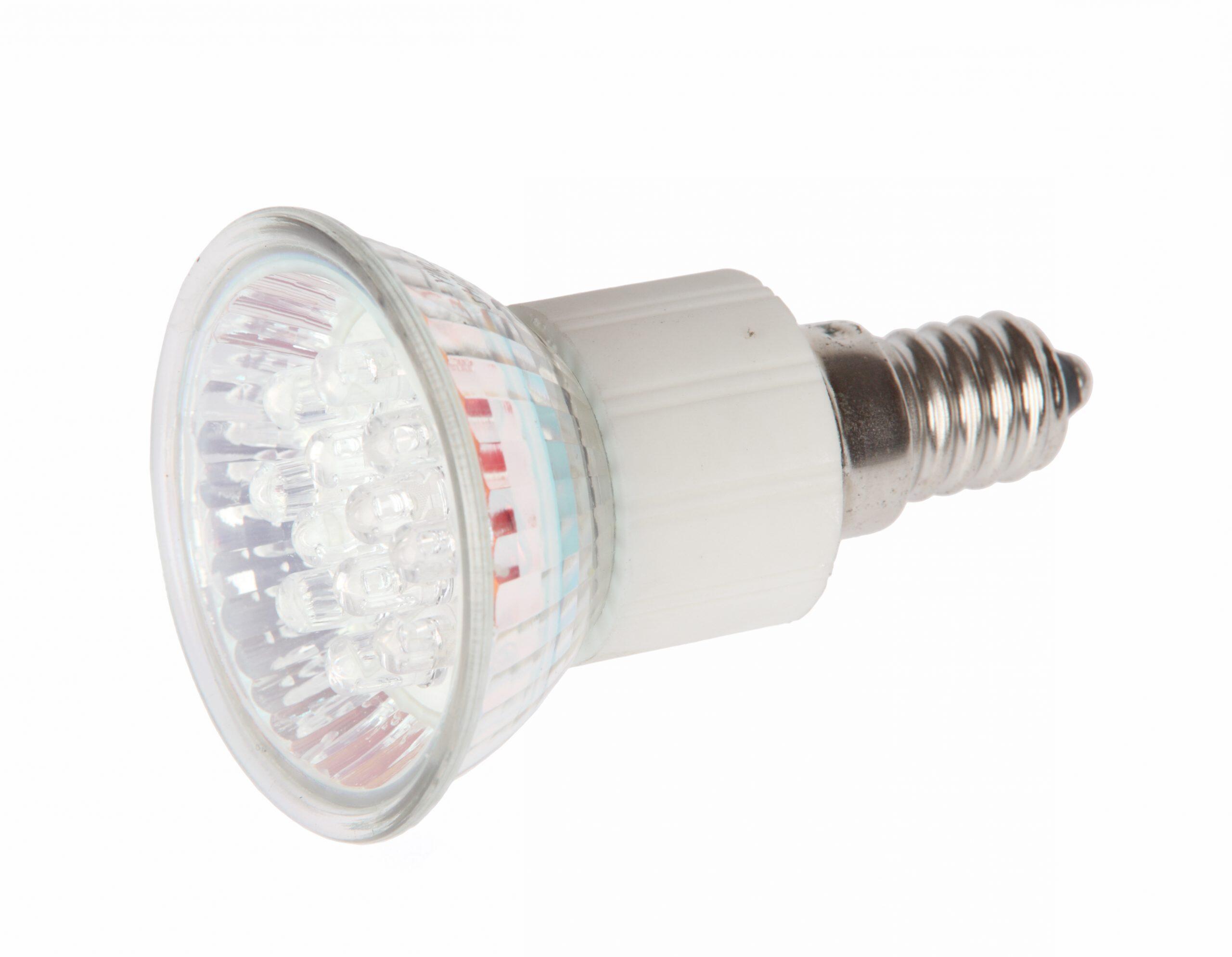 Comment changer l'ampoule d'un spot extérieur ?