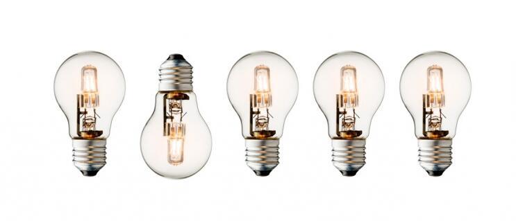 Comment changer l'ampoule d'une lampe halogène ?