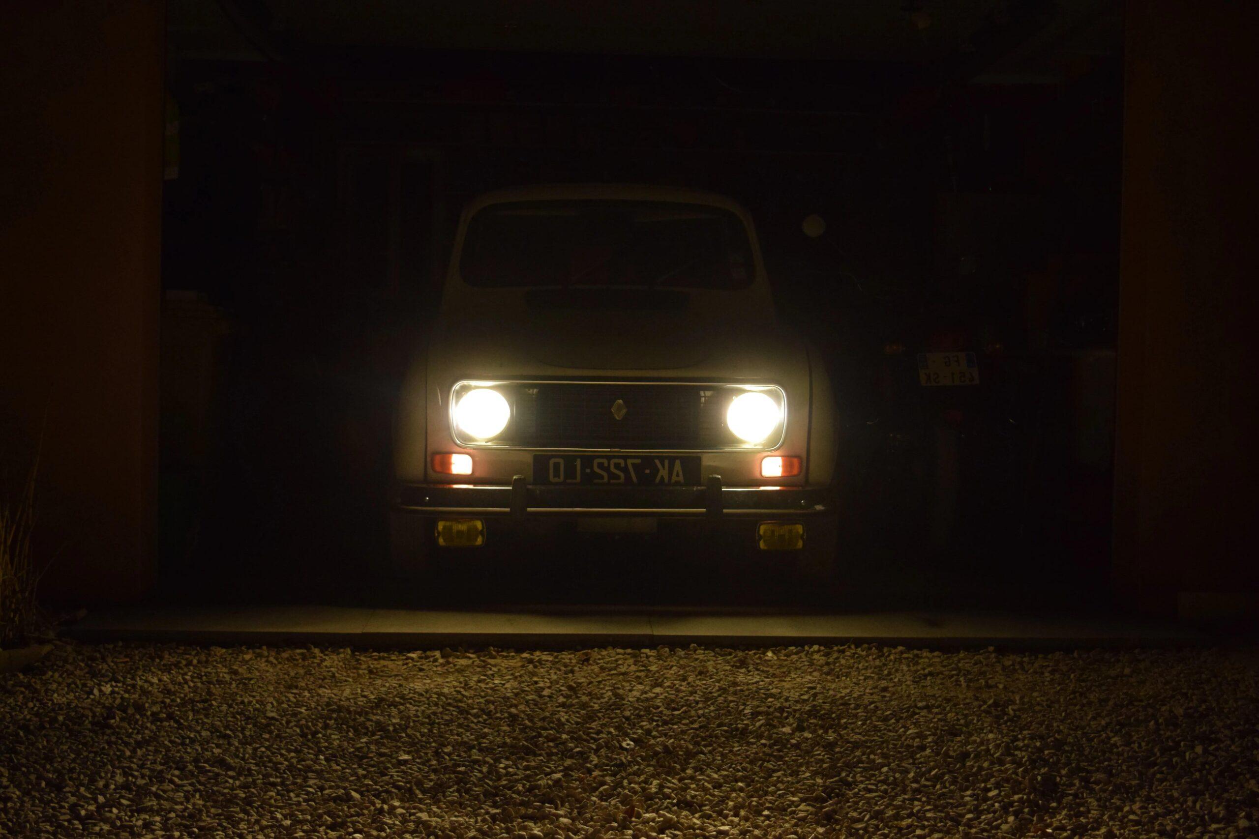 Comment fonctionne l'éclairage d'une voiture ?