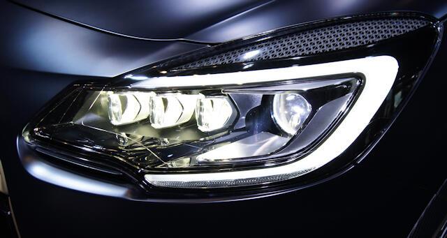 Pourquoi ne pas toucher ampoule voiture ?