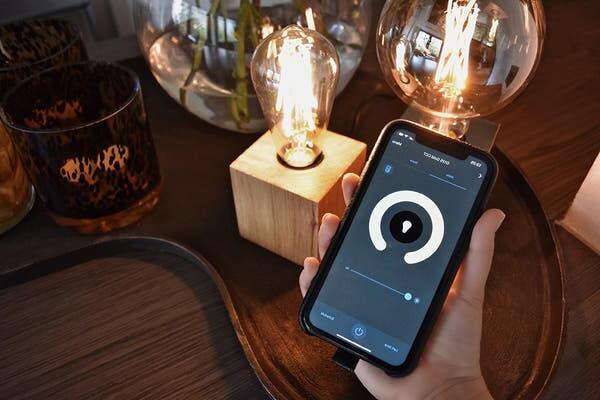 Quelle application pour lampe connectée ?